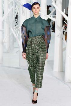 Delpozo Fall 2015 Ready-to-Wear Collection Photos - Vogue Fashion Week, New York Fashion, High Fashion, Fashion Show, Fashion Outfits, Fashion Trends, Couture Fashion, Runway Fashion, Cooler Look
