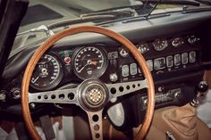 Jaguar_E-Type_Car_3