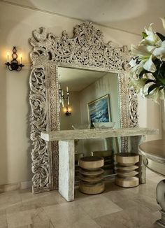 Love the idea of this enormous mirror behind the console table. Style Talk: Sandra Espinet on The Well-Traveled Home – AphroChic – Modern Home Decor, African American & Global Accessories for Contemporary Spaces with Modern Soulful Style Decor, Beautiful Mirrors, Mirror Frames, Mirror Decor, Interior Decorating, Home, Decor Interior Design, African Decor, Modern House