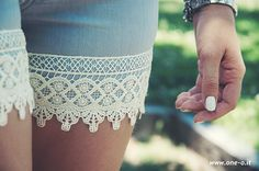 DIY boho lace shorts > One O #diy #fashion #shorts #outfit #pants #makeover #lace #style #summer