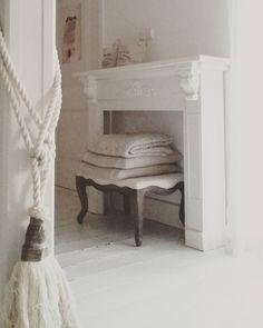 Weekend.... tijd om de verfkwast te pakken #painting #ral9010 #white #whiteliving #wit #home #landelijkwonen #brocante #koesfabriek