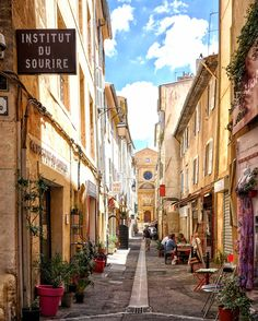 10 REASONS TO VISIT PROVENCE, LIKE, YESTERDAY