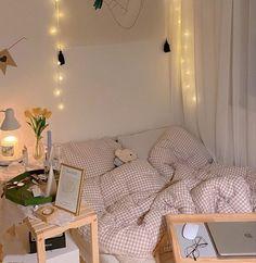 Study Room Decor, Room Ideas Bedroom, Bedroom Decor, Bedroom Bed, Bedroom Small, Decor Room, Bedroom Inspo, Pastel Room, Minimalist Room