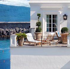 Indoor Outdoor Living, Outdoor Rooms, Santa Margherita, Italy House, Capri Italy, Garden Landscape Design, Beautiful Places To Travel, Amalfi Coast, Coastal Living