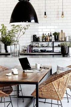 Loving the black, white and rattan look of this vintage modern kitchen and dining room. Loving the black, white and rattan look of this vintage modern kitchen and dining room. House Design, House, Interior, Dream Decor, Home, Vintage Modern Kitchen, Kitchen Trends, House Interior, Interior Design