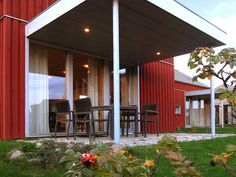 Schwedenrotes Ferienhaus in Zierow - 500m vom Ostseestrand entfernt