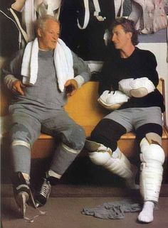 Howe and Wayne Gretzky two of the best and greatest hockey players ever. Hockey Rules, Hockey Mom, Hockey Teams, Hockey Stuff, Flyers Hockey, Basketball Tickets, Hockey Goalie, Montreal Canadiens, Snowboard