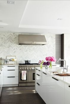 loving the herringbone backsplash--Modern White Kitchen - contemporary - kitchen - toronto - Croma Design Inc Home Interior, Kitchen Interior, New Kitchen, Kitchen Modern, Kitchen Contemporary, Modern Kitchens, Kitchen Layout, Awesome Kitchen, Minimalist Kitchen