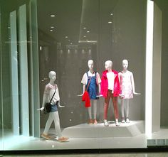 ZARA EmQuartier | Window Display @ Bangkok, Thailand