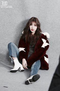 actress, korean, and min image