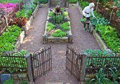 Perfect Raised Garden Beds Layout Design (1) #vegetablegardeningideaslayout #gardendesign