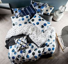 Inspirit any slumber with the uplifting vibes of the retro-chic and cosy-cotton Tika Quilt Cover Set, Blue from Linen House.