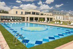 Outdoor pool at Hotel Chateau Amade in Vrakúň, Dunajská Streda, Slovakia Hotels And Resorts, Best Hotels, Outside Pool, Outdoor Pool, Outdoor Decor, Pool Bar, Wellness Spa, Photo Galleries, Beautiful Places