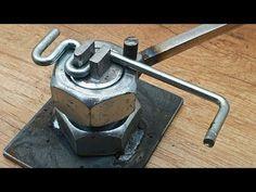 DIY Bender of Steel Nut and Bolt - Smart Engineering Metal Bending Tools, Metal Working Tools, Metal Tools, Welding Tools, Metal Welding, Welding Projects, Diy Welding, Metal Art Projects, Metal Crafts