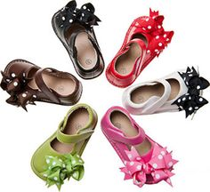 Pre Order Leather Squeaky Shoe with Clip on Bow – Southern Tots Toddler Shoes, Toddler Girl, Squeaky Shoes, Expensive Shoes, Bow Shoes, Girls Boutique, Baby Girl Shoes, Mary Jane Shoes, Baby Bows