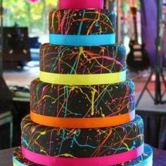 This will be my wedding cake if I get married in the summer- add some sparkles and BAM!