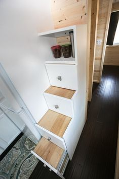 Hogan Tiny House Family: Interview and Tour Tiny House Living Room Family Hogan House Interview Tiny Tour Tiny House Bathtub, Tiny House Stairs, Tiny House Loft, Tiny House Storage, Tiny House Swoon, Tiny House Plans, Tiny House On Wheels, Tiny Houses, Loft Stairs