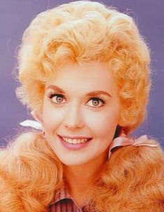 Donna Douglas rose to fame by playing the role of Elly May Clampett on The Beverly Hillbillies.  But before she left her home state of Louisiana to move to New York and pursue a career in entertainment,  this beauty won the pageant titles of Miss Baton Rouge and Miss New Orleans.