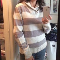 "Grey Striped Sweater Ok, this brand is technically a ""Men's"" brand but it looks amazing on! Sweater is by Retrofit. Size is medium Mens size and fits like a women's loose Medium or Large. Again, gorgeous sweater and is so soft and comfortable on. Good condition. Retrofit Sweaters"