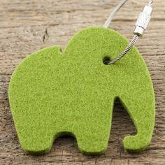 werktat Filz Schlüsselanhänger Elefant, moos grün mit Stahlseil