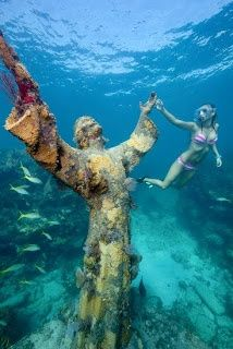 Florida Keys news from the official Florida Keys Tourism Council. Discover all that a Florida Keys vacation has to offer when you visit and experience Key West, Key Largo, Islamorada, Marathon and Big Pine Key. Florida Vacation, Florida Travel, Travel Usa, Florida Keys Honeymoon, State Parks, Christ Of The Abyss, Places To Travel, Places To See, Key West Vacations