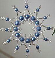 blauer Weihnachtsstern aus Perlen