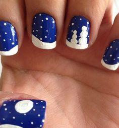 Best easy simple christmas nail art designs snowy night blue and white nails Cute Christmas Nails, Xmas Nails, Christmas Nail Art Designs, Holiday Nails, Diy Nails, Cute Nails, Pretty Nails, Christmas Holiday, Holiday Crafts