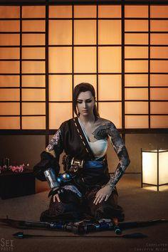 13 true to life cosplay pictures of Female Hanzo Overwatch by Christin McCoy Ronin Samurai, Female Samurai, Shadow Warrior, Warrior Spirit, Amazing Cosplay, Best Cosplay, Overwatch Hanzo, Samurai Artwork, Japanese Warrior