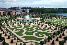 Garden in Versailles (France). I definitely need to go here! Baroque architecture is so beautiful!