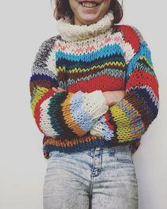 Basic Fashion Tips Autumn winter fashion.Basic Fashion Tips Autumn winter fashion Tee Shirt Fila, Wool And The Gang, Tricot Simple, Tshirt Garn, Debbie Macomber, Rainbow Sweater, Sweater Knitting Patterns, Knit Fashion, Fashion Fashion