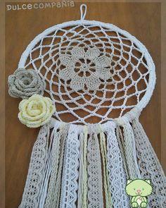 #atrapasueños #dreamcatcher Crochet Dreamcatcher Pattern, Crochet Mandala, Bead Crochet, Mandala Art, Crochet Flowers, Crochet Earrings, Home Crafts, Diy And Crafts, Crafts For Kids