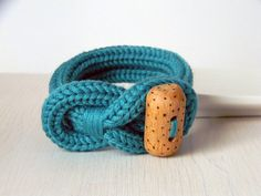 Hey, I found this really awesome Etsy listing at https://www.etsy.com/listing/173853022/knot-bracelet-ultramarine-green-wool