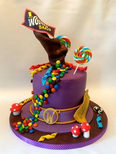 Willy Wonka and the Chocolate Factory Cake Gravity Defying Cake, Gravity Cake, Beautiful Cakes, Amazing Cakes, Charlie Chocolate Factory, Fig Cake, Salty Cake, Disney Cakes, Willy Wonka
