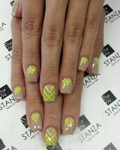 Nude and neon Nail art in gel @stanzasalon