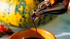 Descubre los beneficios del aceite de semillas de calabaza y sus propiedades para bajar la presión arterial y los niveles de colesterol en sangre.