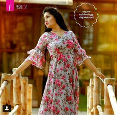 Ladies kurta designs new fashion for women - Simple Craft Ideas Girls Frock Design, Long Dress Design, Sleeves Designs For Dresses, Dress Neck Designs, Blouse Designs, Casual Gowns, Stylish Dresses, Long Gown Dress, The Dress