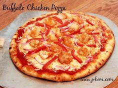 Easy Dinner Recipe - Buffalo Chicken Pizza #MomsWingMan #ad