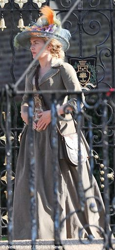 She loves playing dress-up : Kate Winslet gets into costume for A Little Chaos as she stars in yet another period drama - Kate Winslet h. Got Costumes, Movie Costumes, Period Movies, Period Dramas, Kate Winslet, Another Period, Rococo Dress, A Little Chaos, Colleen Atwood