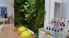 Plus qu'une onglerie Made in Brésil, Doce de Limao, un concept store dédié au pays du soleil, offre un large panel de vêtements, coutures et accessoires raffinés… Viva Samba !