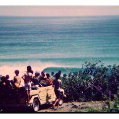 old school wave check  Uno de los ejercicios más bonitos del surfing , mirar a ver como esta el mar.