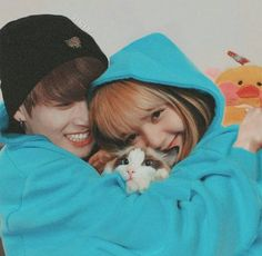 Bunicorn Couple 🐰🦄 🌟Thank u 👉🏻 ❤👍🏻😍 💙💙💙💙💙💙… Kpop Couples, Cute Couples, Taekook, Bts Jungkook, Taehyung, Bts Girlfriends, Lisa Blackpink Wallpaper, Ft Tumblr, Blackpink And Bts