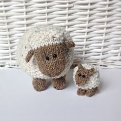 Moss the Sheep toy knitting patterns...So cute!!!
