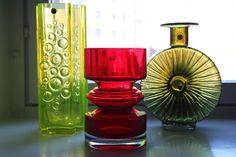 Tamara Aladin (Presto), Nanny Still (Tiimalasi) and Helena Tynell (Aurinkopullo) Art Of Glass, My Glass, Glass Jars, Scandinavian Art, Glass Ceramic, Modern Glass, Marimekko, Glass Design, Finland