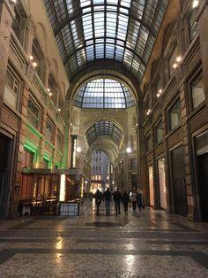 Milan, Italy | www.nuncaparasquieta.com | © Nunca Paras Quieta 2017 Milan Italy, Louvre, Building, Travel, Viajes, Traveling, Construction, Trips, Tourism