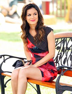 Love almost everything Rachel Bilson wears on her show.  Her personal style comes through loud and clear, and I've always been a fan of it.  #rachelbilson