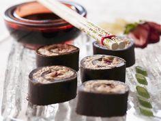 Süßes Sushi mit Schokolade | Zeit: 45 Min. | http://eatsmarter.de/rezepte/suesses-sushi-mit-schokolade