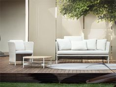 Bench © Paola Lenti Srl #paolalenti #architecture #furniture ... Cabanne Gartenpavillon Paola Lenti Bestetti Associati