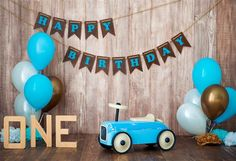 Blue Retro Toy Car With Helium Balloons On A Wooden Background. Children`s Holiday Decorated Photo Zone For A Little Boy. Happy Stock Photo - Image of decor, happy: 140835738 First Birthday Photos, 1st Boy Birthday, Happy Birthday, Ball Decorations, Baby Shower Decorations, Valentines Photo Booth, Cake Smash Backdrop, Diy Baby Costumes, Childrens Holidays