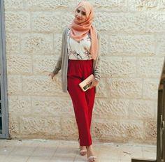 Pinned via Nuriyah O. Islamic Fashion, Muslim Fashion, Modest Fashion, Stylish Hijab, Hijab Chic, Turban, Muslimah Clothing, Chic Outfits, Fashion Outfits