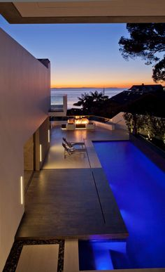 Rockledge in Laguna Beach, California by Horst Architects & Aria Design via  @. HomeDSGN .